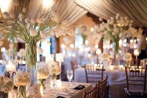 украшаем помещения на свадьбы, дни рождения, юбилеи и прочие праздники цветами, шарами, тканью